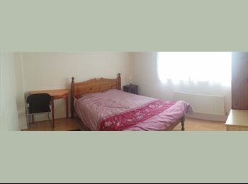 Fully furnished, Large Double bedroom in Hounslow £400pcm....