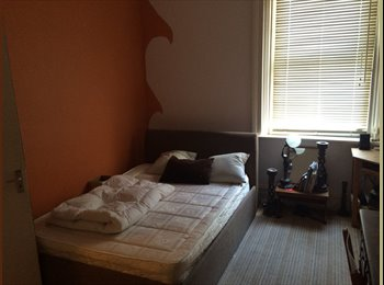 EasyRoommate UK - 2 rooms available in great, large house in Fenham - also very cheap - Fenham, Newcastle upon Tyne - £225 pcm