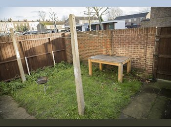 EasyRoommate UK - Double or twin Room Stratford - Stratford, London - £600 pcm