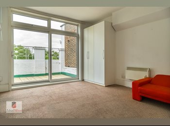 Studio Flat Available Now, No Deposit Required Zone 2