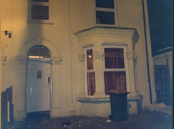 EasyRoommate UK - Single room furnished available in Manor Park, East London. - Manor Park, London - £350 pcm