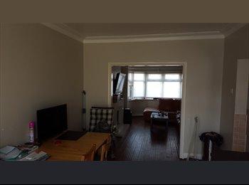 EasyRoommate UK - Rooms no Deposit! - Kingsbury, London - £600 pcm