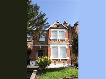 Newly refurbished period Victorian house share