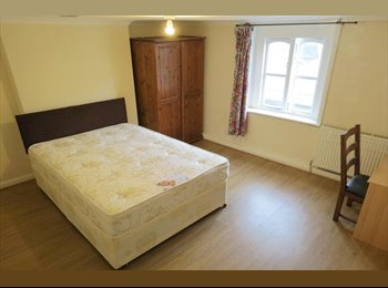 EasyRoommate UK - Nice double room, near Canary Wharf, available now, ONLY £155pw!!! - Tower Hamlets, London - £675 pcm
