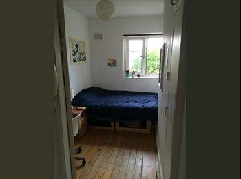 EasyRoommate UK - Room for rent near London Fields - Dalston, London - £705 pcm
