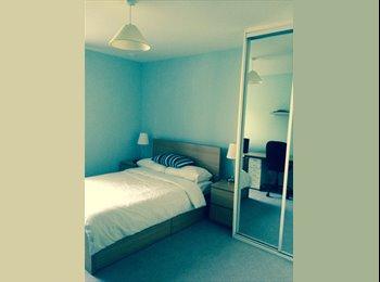 EasyRoommate UK - 1 x double room with ensuite bathroom  - Isleworth, London - £750 pcm