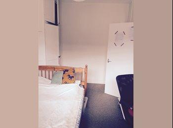 EasyRoommate UK - double room hackney broadway market bethnal green - Bethnal Green, London - £650 pcm