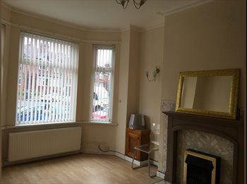 EasyRoommate UK - Double room in a professional/postgrad house share - Fallowfield, Manchester - £400 pcm