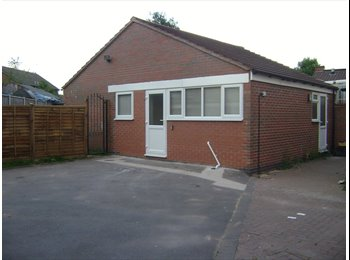 EasyRoommate UK - Fully Furnished 2 bed flat available; Free wifi, all inclusive of bills - Longford, Coventry - £845 pcm