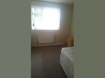 EasyRoommate UK - Female Wanted. Double Bedroom to Rent. £100 a week, Bills Included - Collyhurst, Manchester - £400 pcm