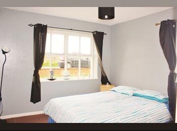 EasyRoommate UK - Home Away from Home in Edinburgh - Gilmerton, Edinburgh - £600 pcm