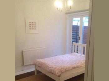 EasyRoommate UK - Double room available £450 - Thornton Heath, London - £450 pcm