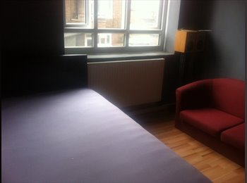 EasyRoommate UK - Room Available to rent, London - £800 pcm