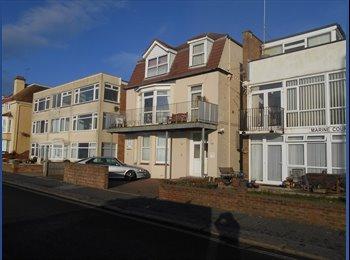 EasyRoommate UK - Superb Direct Seafront Studio Flat - Aldwick, Bognor Regis - £495 pcm
