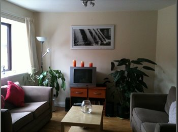 EasyRoommate UK - Double bedroom available from August, 28th - Leith, Edinburgh - £325 pcm