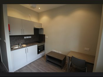 EasyRoommate UK - STUDIO APARTMENT LANDCROSS HOUSE FALLOWFIELD - Fallowfield, Manchester - £525 pcm