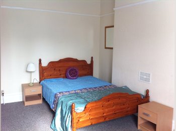EasyRoommate UK - ST JUDES, FIVE FANTASTIC DOUBLE ROOMS IN STUNNING HOUSE FOR PROFESSIONALS OR MATURE STUDENTS - St Judes, Plymouth - £360 pcm