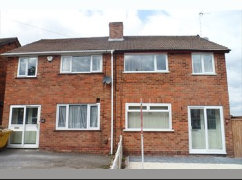 IMMACULATE NEWLY REFURBISHED 3 BEDROOM HOUSE