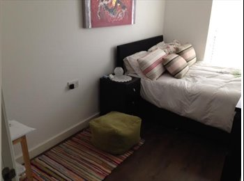 EasyRoommate UK - Double Bedroom with own bathroom in Central Greenwich - Greenwich, London - £675 pcm