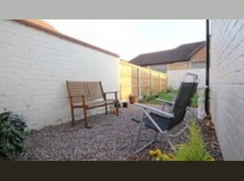 EasyRoommate UK - Fabulous renovated house next to University - Chester, Chester - £390 pcm