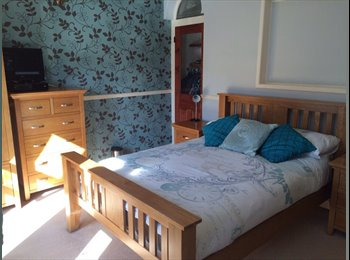 EasyRoommate UK - Large double room  - Gosport, Fareham and Gosport - £400 pcm