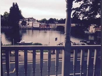 EasyRoommate UK - Double room with balcony overlooking river - East Molesey, London - £785 pcm