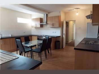EasyRoommate UK - Double Room £325 PCM, all bills included + free Internet - Chesterton, Newcastle under Lyme - £325 pcm