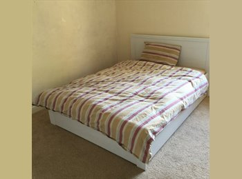 EasyRoommate UK - Double room in friendly house share - Southend-on-Sea, Southend-on-Sea - £400 pcm
