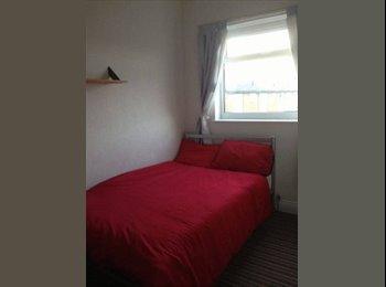 EasyRoommate UK - Large Attic Room Double (No Bills) - Kirkhamgate, Wakefield - £360 pcm