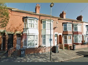 EasyRoommate UK - Double Room in 5 Bed House - Braunstone, Leicester - £220 pcm