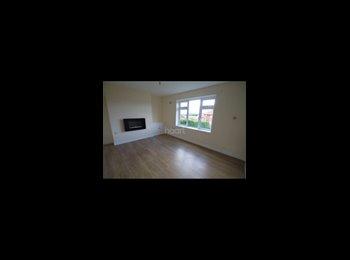 EasyRoommate UK - 2 BEDROOM HOUSE TO RENT - Arnold, Nottingham - £600 pcm