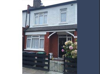 EasyRoommate UK - Large double room in freshly refurbished 3 bed house - Tottenham, London - £610 pcm
