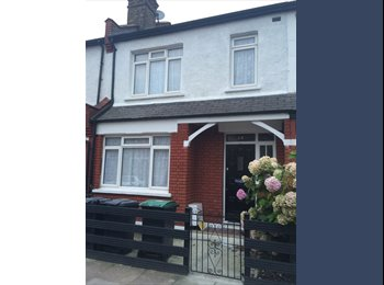 Large double room in freshly refurbished 3 bed house