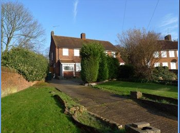 EasyRoommate UK - Well presented double room with all bills inc - Oxhey, Watford - £450 pcm