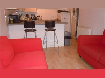 MODERN NG7 ALL FEMALE SHARED 3 BED FLAT (NO DEPOSIT)