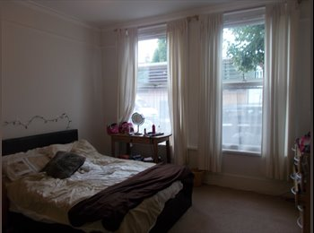 2 Dbl rooms in Balham to rent- near to the station