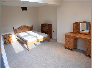 EasyRoommate UK - Massive furnished double room - Chineham, Basingstoke and Deane - £650 pcm