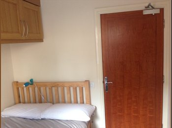 EasyRoommate UK - Double room available in Pontprennau - Pentwyn, Cardiff - £480 pcm