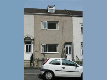 EasyRoommate UK - Large Double Room in Shared 6 Bed House - Swansea, Swansea - £290 pcm