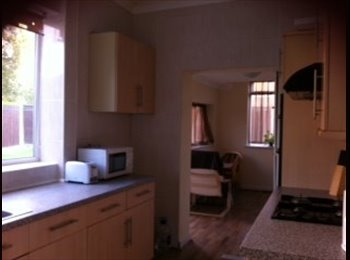 EasyRoommate UK - Nice and big house near Royal Preston Hospital - Fulwood, Preston - £330 pcm