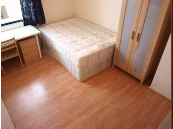 EasyRoommate UK - Double room with En-suite and Kitchenette  - Colchester, Colchester - £520 pcm