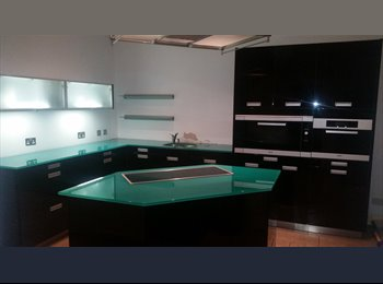Lovely 3 bedroom house  3 double rooms for rent  2 double...