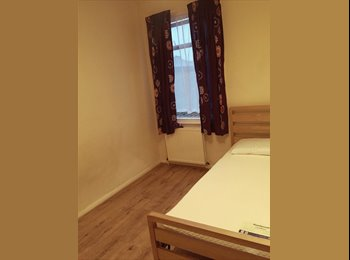 EasyRoommate UK - 2 Nice Fully furnished rooms in a happy, relaxed and easy going home. Haringey North London - Tottenham, London - £600 pcm