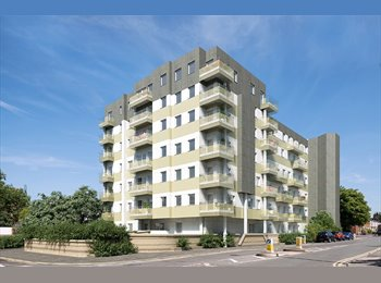 EasyRoommate UK - Splendid newly built 1 bedroom flat - Slough, Slough - £1,100 pcm