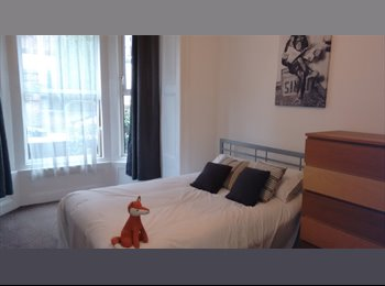 EasyRoommate UK - DOUBLE ROOM IN LUXURY PROFESSIONAL HOUSE IN SOUTHSEA - Southsea, Portsmouth - £500 pcm