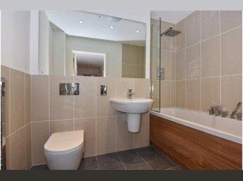 EasyRoommate UK - 1 Double Bedroom to Rent close to Amersham station - Amersham, Amersham - £700 pcm
