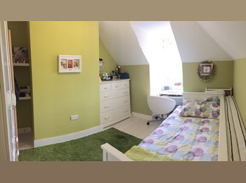 Lovely Single room in 5mins to South Croydon station-£550...