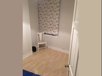 EasyRoommate UK - Young couple with a spare room - Enfield, London - £550 pcm