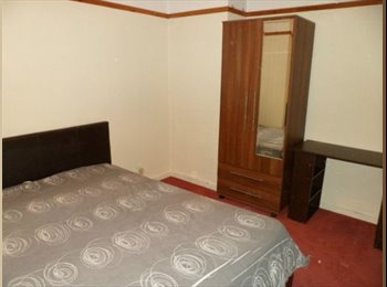 EasyRoommate UK - Double room for short stay - Becontree, London - £320 pcm