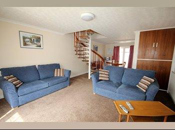 EasyRoommate UK - Vazon Bay Apartments - Guernsey, Guernsey - £1,500 pcm